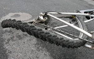 Achter - bent bicycle wheel